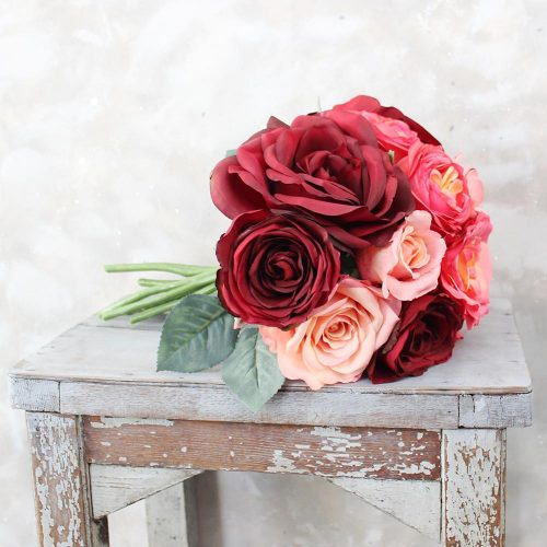 Red-Rose-and-Coral-Bouquet_2048x